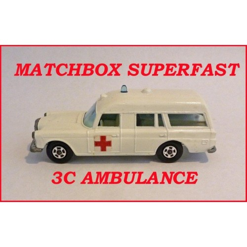 Matchbox Superfast MB3c Mercedes Ambulance