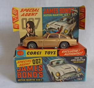 Corgi Toys 261 James Bond Aston Martin