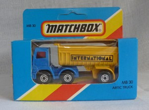 Lesney Matchbox Blue Box MB30f Articulated Truck Flat Blue with Yellow Grille