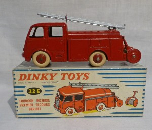 French Dinky Toys 32E Berliet Fire Engine