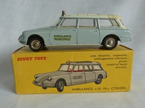 French Dinky Toys 556 Citroen ID19 Ambulance