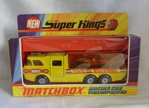 Matchbox SuperKings K-7 Racing Car Transporter [Pink Racer]