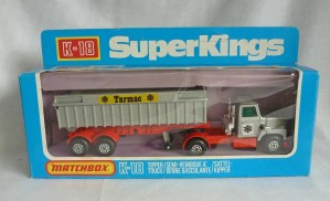 "Matchbox SuperKings K-18 Ford LTS Articulated Tipper Silver/Red ""Tarmac """