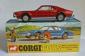 "Corgi Toys 276 Oldsmobile Toronado ""Golden Jacks"""