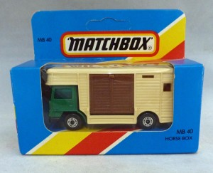 Lesney Matchbox Blue Box MB40e Horse Box Green with Brown Door [A]