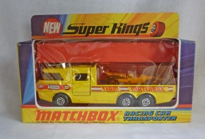 Matchbox SuperKings K-7 Racing Car Transporter [Yellow Racer A]