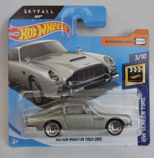"HotWheels 007 James Bond Aston Martin DB5 ""Skyfall"" Short Card"